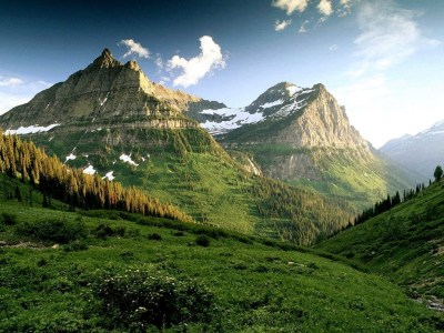 amazing-green-mountains-with-trees-lanscape-wallpaper
